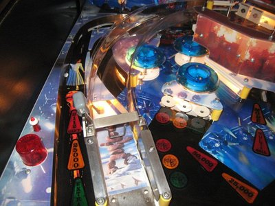 rush-custom-pinball-machine_031_524.jpg