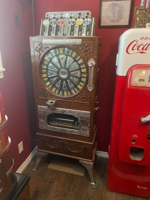 That model 44 Coca Cola machine I had found for next to nothing in a Longueuil apartment block storage locker.